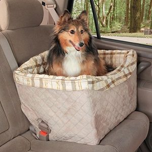 Solvit Jumbo Deluxe Pet Safety Seat with dog